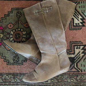 Beige leather boots